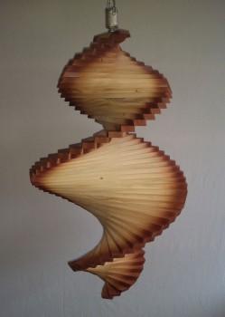 Windspiel aus Holz - Windspirale - Holzspirale, Länge 65 cm - Ränder lasiert
