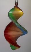 Windspiel aus Holz - Regenbogen-Windspirale - Holzspirale, Länge 40 cm - Regenbogenfarben
