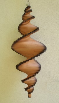 Windspiel aus Holz - Windspirale - Holzspirale, Länge 100 cm - hellbraun mit dunklem Rand