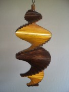 Windspiel aus Holz - Windspirale - Holzspirale, Länge 55 cm - Lackiert, Dunkelbraun-Kiefer
